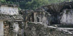Mayaruïnes van Palenque en de bergen van de Sierra Madre
